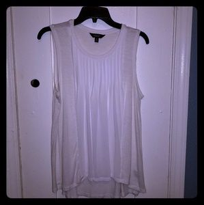Simply Vera- Vera Wang- Cute Sleeveless Top.